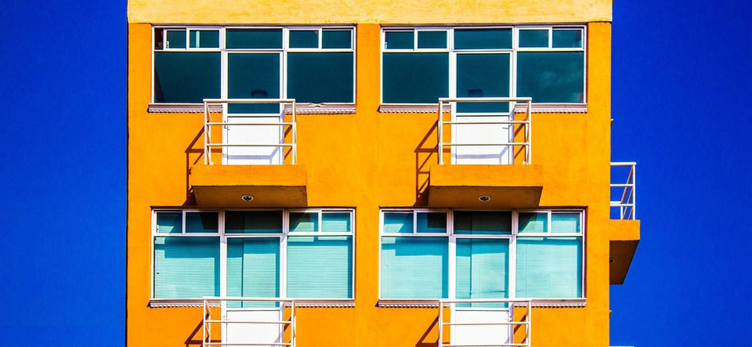 (וידאו פוסט) תושב חוץ – מתי תהיה זכאי לפטור ממס שבח במכירת דירה בישראל?
